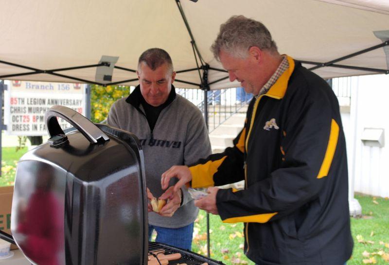 Greg-Dan-barbecue.jpg